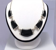 Joyeria Plata y Azabache Artesania Galicia Home Page Silver and Black Jet Crafts Jewelry Crafts Tax Free, Gold Work, Collar Necklace, Jewelry Crafts, Jet, Arts And Crafts, Traditional, Jewels, Sterling Silver