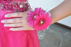 Pink Prom - Gerbera Daisies - Bling - Prom Flowers - Wristlet - Hot Pink - Knoxville TN Florist - www.lisafosterdesign.com
