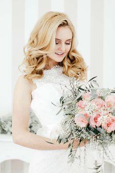 Pastellene Liebe: Rosenquarz für die elegante Braut FRANZISKA KROIS http://www.hochzeitswahn.de/inspirationsideen/pastellene-liebe-rosenquarz-fuer-die-elegante-braut/ #wedding #bride #white