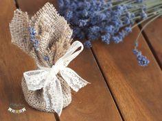 Marturii de nunta saculeti cu levantica si fir atasat