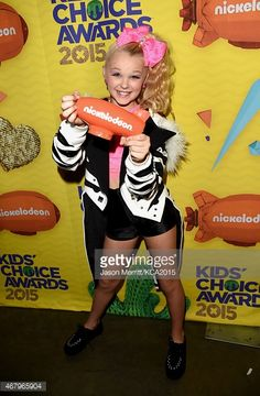 467965904-dancer-tv-personality-jojo-siwa-from-the-gettyimages.jpg (389×594)