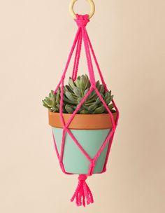 Amazing 50+ Ideas to Make Macrame Plant Hanger DIY https://homedecormagz.com/50-ideas-to-make-macrame-plant-hanger-diy/