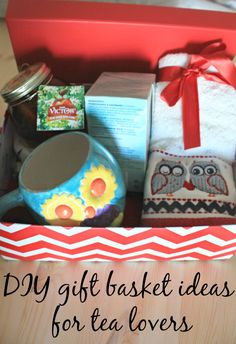 Any tea lovers on your holiday gift list? Here are some DIY gift basket ideas for tea lovers! Tea Gift Baskets, Holiday Gift Baskets, Diy Holiday Gifts, Holiday Fun, Christmas Diy, Christmas 2019, Secret Sister Gifts, Tea Gifts, Basket Ideas
