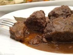 Carrillada al tomillo con menestra de verduras - MisThermorecetas Beef, Food, Gastronomia, Home, Beef Cheeks, Homemade Food, Easy Food Recipes, Cold Cuts, Essen