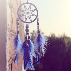 Give a dreamy touch to your bedroom with our assorted #feather #dreamcatcher collection. Hurry Up to grab the 20% Flat discount over bulk purchase using FEATHER20 code.  Buy it Here: www.schumanfeathers.com Blinds For Windows, Window Blinds, Out Of Focus, Mark Twain, Window Coverings, Dream Catcher, Feather, Imagination, Eyes