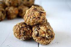 No Bake Oatmeal Peanut Butter Energy Balls - Oatmeal, chocolate chips, peanut butter, flax seeds, honey, vanilla
