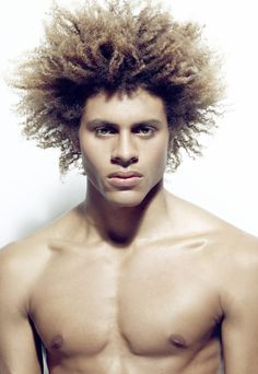 A beautiful #natural #afro http://pinterest.com/theafrodiaries/