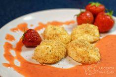 Máte rádi sladké? A máte rádi sladké jako z obláčku? Tvarohové noky s křupavou strouhankou s jahodovou omáčkou jsou právě jako kdyby zrovna přistály z nějakého šmoulova. Jsou sladké, lahodné a naprosto báječně voní. A příprava je rychlá a jednoduchá! #recept #foodblog #noky #jahody #jaro #jídlo #foodblogger #inspirace French Toast, Chicken, Baking, Breakfast, Pizza, Morning Coffee, Bakken, Backen, Sweets