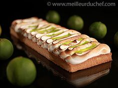 Green lemon pie covered with meringue Follow the recipe step by step, it's delicious !