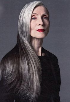 DAPHNE SELFE | WORLDS OLDEST SUPERMODEL AT 85