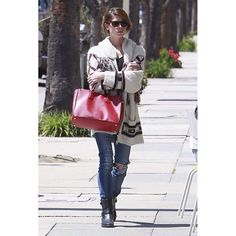 #AshleyGreen in LA//// #Sweater: #IsabelMarant for H&M, #Purse: #Prada, #Boots: #ToryBurch