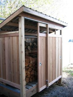Smart ways to store wood for the fireplace this winter! Modern Garage And Shed b… Smart ways to store wood for the fireplace this winter! Modern Garage And Shed by Cedarcraft construction LLC Diy Storage Shed Plans, Wood Storage Sheds, Wood Shed Plans, Firewood Shed, Firewood Storage, Lumber Storage, Storage Rack, Shed Construction, Shed Design
