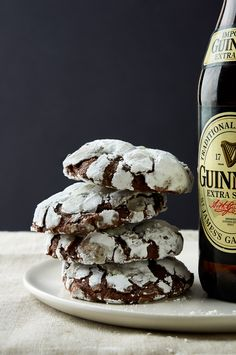 Visit The Sweetest Occasion for 17 Guinness recipes sure to satisfy your St. Patrick's Day fix! Ice cream, brownies and cocktail recipes galore! Guinness Recipes, Beer Recipes, Irish Recipes, Cookie Recipes, Dessert Recipes, Recipies, Chocolate Crinkle Cookies, Chocolate Crinkles, Saint Patrick