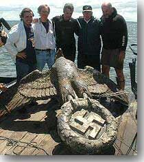 History Discover In the attempt to raise the wreck of the Graf Spee sunk off Montevideo in 1939 a huge Bronze Eagle 2 metres high weighing in at about 400 kilograms was unbolted from the stern of the once proud German warship. Ww2 History, Naval History, History Photos, Then And Now Pictures, Abandoned Ships, Unexplained Mysteries, War Photography, World War One, German Army