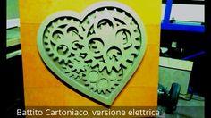 BATTITO CARTONIACO: quadro mobile passato da una versione manuale ad una elettrificata, con movimento continuo mediante l'inserimento di un motore al posto della ruota libera.