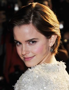 emma watson short hair growing out - Google Search