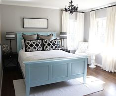Love the grey, blue, white and black combo. Iwant grey walls in thr bedroom, very soothing.