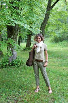 Em viagens. Conforto e elegância em verdes e marrons. Consuelo Blocker