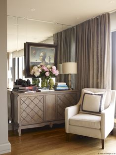 Learn more about the fun, sophisticated style of interior designer Nicky Haslam and how you can incoporate some of his tricks into your home.