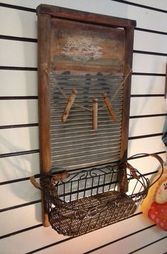 Primitive Holiday Decor Glass & Wood Washboard with a Wire Basket and Old Fashioned Clothes Pins for Storage Bathroom, Kitchen Decor - chryssa home decor Primitive Homes, Primitive Laundry Rooms, Primitive Bathrooms, Primitive Crafts, Primitive Country, Primitive Kitchen, Rustic Primitive Decor, Primitive Survival, Prim Decor