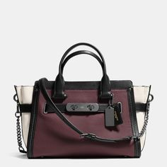 COACH SWAGGER WITH CHAIN IN PEBBLE LEATHER