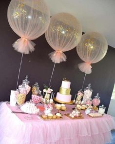 Baby Shower Decorations Balloons wrapped in tulle for party decor Deco Baby Shower, Shower Party, Baby Shower Games, Baby Shower Parties, Baby Shower For Girls, Baby Shower Table Set Up, Balloons For Baby Shower, Shower Cake, Shower Favors