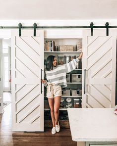 For the Home DIY Pantry Double Barn Doors - Pretty in the Pines, North Carolina Lifestyle and Fashio Barn Door Pantry, Diy Barn Door, Diy Door, Closet Barn Doors, Barn Door Designs, Garage Door Design, Garage Doors, Double Sliding Barn Doors, Sliding Pantry Doors
