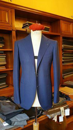 Pino Peluso Neapolitan Tailor and Italian Fashion Designer Tailored Fashion, Mens Fashion Blazer, Tailored Suits, Suit Fashion, Bespoke Suit, Bespoke Tailoring, Blue Jacket, Style Costume Homme, Nigerian Men Fashion