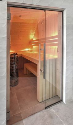44 Awesome Home Sauna Design Ideas And Be Healthy Sauna Steam Room, Sauna Room, Brown Bathroom, Bathroom Spa, Charcoal Bathroom, Indoor Sauna, Lavatory Design, Sauna Design, Finnish Sauna