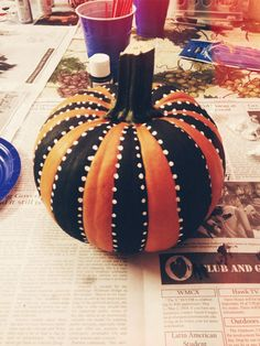 60 Best Pumpkin Decoration and Carving Ideas for Kids Halloween - firstmine Creative Pumpkins, Small Pumpkins, Painted Pumpkins, Painted Halloween Pumpkins, White Pumpkins, Hallowen Food, Hallowen Ideas, Soirée Halloween, Holidays Halloween
