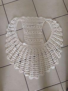 Captivating Crochet a Bodycon Dress Top Ideas. Dazzling Crochet a Bodycon Dress Top Ideas. Crochet Circle Vest, Crochet Circles, Crochet Blouse, Crochet Scarves, Crochet Clothes, Crochet Lace, Thread Crochet, Crochet Sweaters, Crochet Round