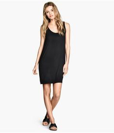 Welcome to H&M, your shopping destination for fashion online. Simple Summer Dresses, Dresses For Work, Spring Wear, Style And Grace, Beachwear, Fashion Online, Fashion Beauty, Kids Fashion, Little Black Dresses