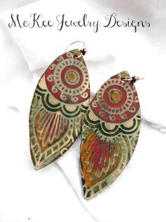 LOVE! Handpainted leather and copper metal  earrings. Flower and leaves.