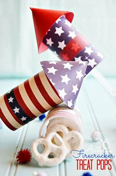 Awesome DIY 4th of July Firecracker Treat Pop TUTORIAL at the36thavenue.com Celebrate!