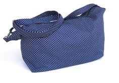 Tasche für Weggefährten - gepunktet Umhängetasche von stitchbully.de für Hunde auf DaWanda.com