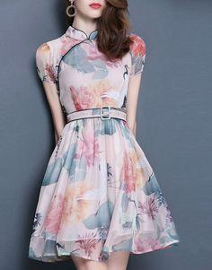Show body chiffon print dress with belt