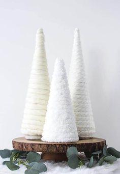 Christmas Tree Yarn, Rustic Christmas, All Things Christmas, Winter Christmas, Christmas Holidays, Christmas Ornaments, Winter Snow, Homemade Christmas Tree, Christmas Swags