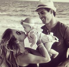 Jessie James Decker- What a beautiful family!