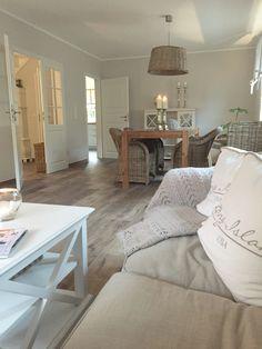 wir verkaufen in unserem Online Shop traumhafte Wohnaccessoires. www.ambienteathome.de da wir selber in einem Schwedenhaus leben wissen wir was Gemütlichkeit heißt.