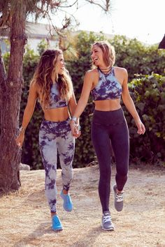 """Get The """"Tone It Up"""" Look With Amazing Activewear Picks From the Founders Nike Outfits, Sport Outfits, Fitness Outfits, Fitness Fashion, Glamour Photographers, Cute Workout Outfits, Nike Workout, Workout Hair, Cardio Workouts"""