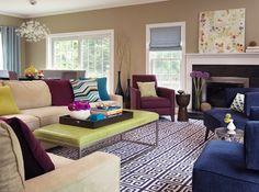 Salón decorado utilizando un esquema de colores tetrádico cuadrado.  square-color-scheme