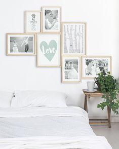 Wanddekoration Schlafzimmer- Gestalte deine eigene Wandcollage aus einem Mix aus von Dir persoanlisierten Love Postern von Printcandy und deinen romatischen Fotos