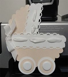 Baby shower, scalloped die cut
