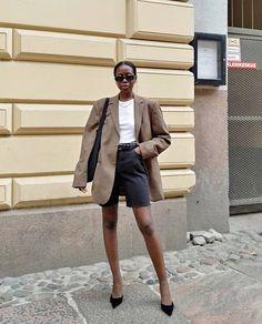 Le Fashion: I'll Be Wearing Long Shorts Now and All Summer Long Star Fashion, Boho Fashion, Winter Fashion, Fashion Outfits, Fashion Drug, Fashion Quotes, French Fashion, Retro Fashion, Runway Fashion