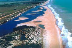 Praia de Urussuquara, Linhares (ES)