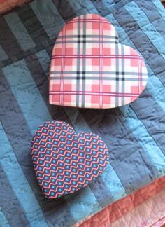 The Artful #Heart - customize a chocolate box with your favorite #fabric. Project from #DSQuilts