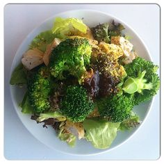 Make your #musclefood interesting. Try grilled chicken breast chunks seasoned with garlic and mixed herbs, steamed (read: nuked) broccoli and melange (seriously?) of fresh greens drizzled with extra-virgin olive oil and limejuice.