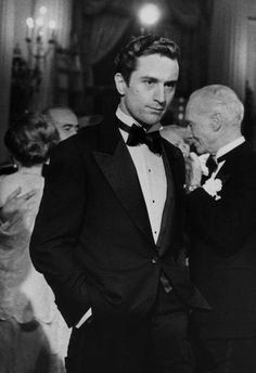 A young Robert De Niro wearing a tux Hollywood Stars, Classic Hollywood, Old Hollywood, Marlon Brando, Meryl Streep, Robert Downey Jr, The Godfather Part Ii, Beautiful Men, Beautiful People