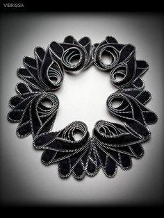 Kate Cusack | Zipper Jewelry: Necklaces. Очень много замечательных  украшений из молний