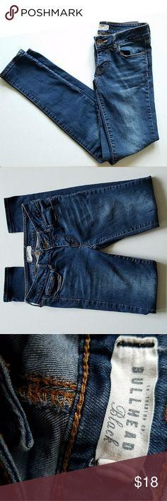 "Bullhead Black skinny jeans  (size 1) The skinniest jeans Size 1  6 1/2"" rise 27"" inseam Length 34"" Bullhead Jeans Skinny"